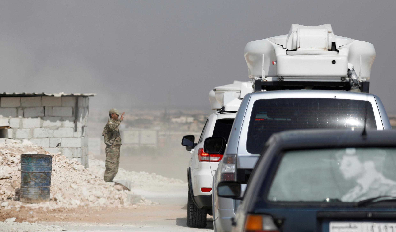 Một trạm kiểm soát của lực lượng Kurdistan gần Manbij, Syria, ngày 15/10/2019