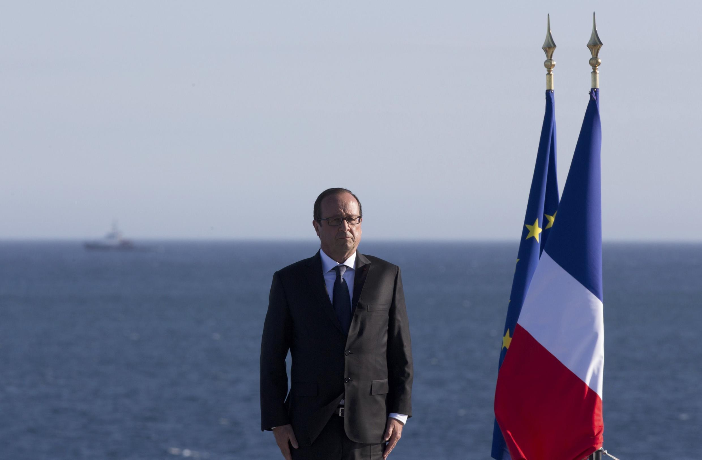 François Hollande durante a cerimônia em Toulon.