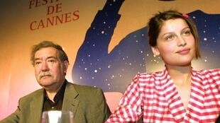 Raoul Ruiz with French actress Laetitia Casta in Cannes in 2001