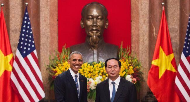 Rais Barack Obama na mwenzake wa Vietnamese Tran Dai Quang Mei 23, 2016 katika Ikulu ya rais Hanoi.