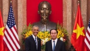 Shugaban Amurka Barack  Obama da takwaransa na Vietnam  Tran Dai Quang a birnin Hanoi.