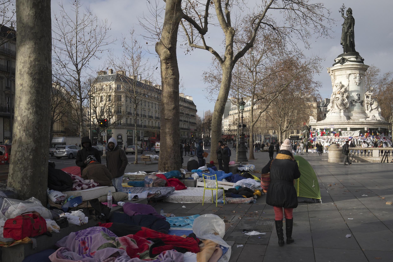 Des groupes de migrants et réfugiés d'Iran, du Pakistan, d'Irak ou encore d'Erythrée, installés place de la République à Paris. (Photo d'illustration)