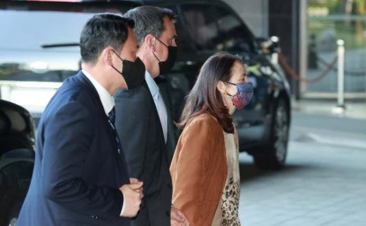 美国国家情报总监海恩斯抵达韩国首尔资料图片