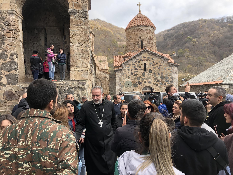 Отец Ованнес, настоятель монастыря Дадиванк. 13 ноября 2020 г.