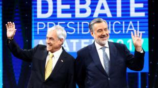 El exmandatario Sebastián Piñera y el oficialista Alejandro Guillier cruzaron acusaciones y críticas a sus propuestas programáticas, el 11 de diciembre de 2017 en Santiago.