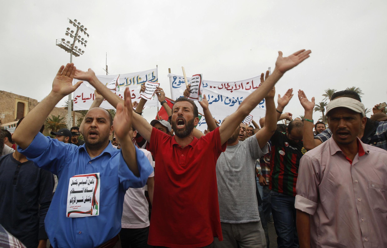 Manifestations de militants favorables à la loi d'exclusion politique en Libye, le dimanche 5 mai à Tripoli.