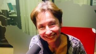 L'écrivaine Elena Balzamo en studio à RFI (juillet 2019).