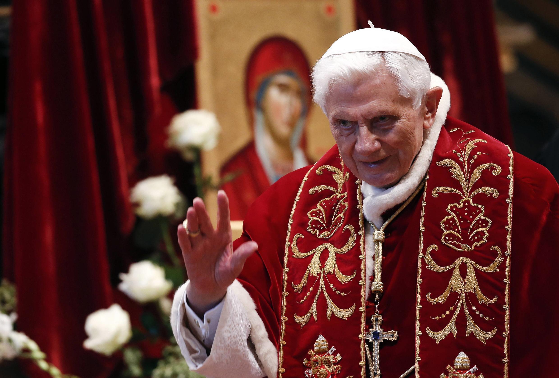 Đức Giáo hoàng Benedicto XVI trong một buổi lễ ở Vatican, ngày 09/02/2013