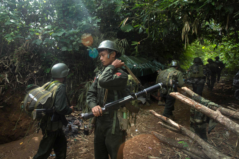 缅北叛军克钦独立军一位发言人说已收到云南当局提供的1万支疫苗。2021年7月资料图片