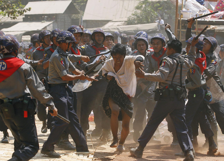 Đàn áp biểu tình tại Letpadan, 10/03/2015.
