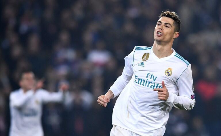 Cristiano Ronaldo, após o seu golo que inaugurou o marcador no PSG-Real Madrid, e que faz dele o melhor marcador da Liga dos Campeões.