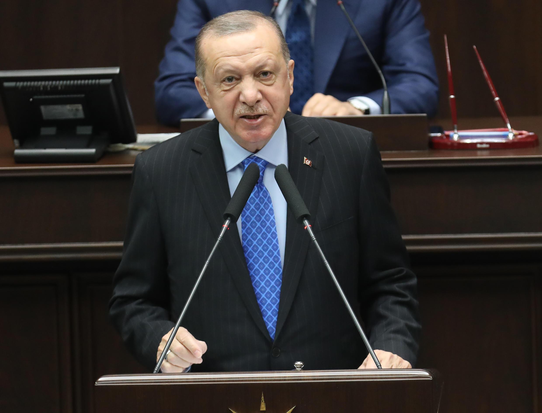 El presidente turco, Recep Tayyip Erdogan, habla durante una reunión del grupo parlamentario de su partido, el 26 de mayo de 2021 en Ankara