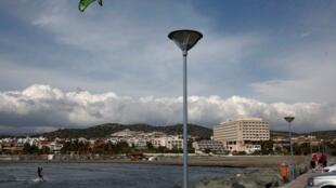 塞浦路斯南部利馬索爾鎮附近的海灘2013年2月19日。