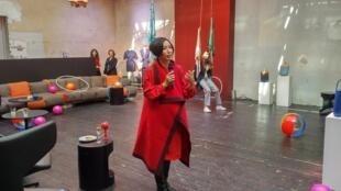 Jiang Qiong-er, fundadora y directora artística de Shang Xia durante la presentación de su nueva colección. París, abril 2018.