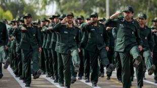 سپاه پاسداران ایران در بیانیهای به مناسبت سالروز دوازدهم فروردین نسبت به مشکلاتی که نظام جمهوری اسلامی ایران را تهدید میکند، هشدار داد