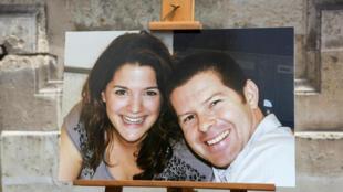 Nhân viên cảnh sát Jean-Baptiste Salvaing (P) cùng vợ Jessica Schneider, bị Larossi Abballa sát hại ngay tại nhà riêng ở Magnanville.