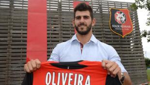 Nélson Oliveira já com a camisola do Rennes