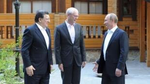 Владимир Путин, Герман ван Ромпей и Жозе Мануэл Баррозу перед саммитом в Екатеринбурге 03/06/2013