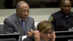 Экс-президент Либерии Чарльз Тейлор на судебном процессе в Гааге 16 мая 2011.