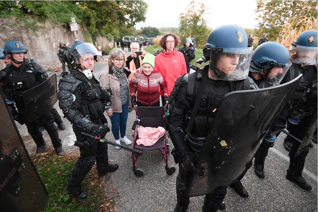 Plus de 500 gendarmes mobiles ont été dépêchés en septembre 2018 pour évacuer les «zadistes» de Kolbsheim en Alsace.