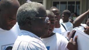 Afonso Dlhakama, líder da RENAMO, na oposição em Moçambique