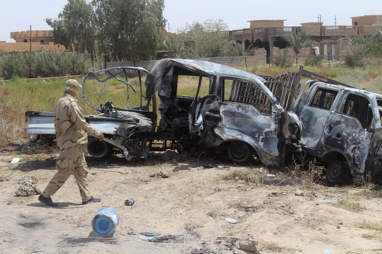 Veículo bombardeado no Iraque