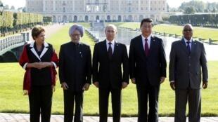 Os dirigentes dos Brics (grupo que integra o Brasil, Rússia, Índia, China e África do Sul) em  Saint-Pétersbourg, 5 de setembro de 2013.