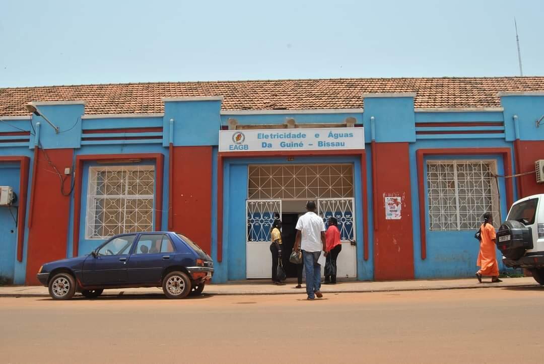 EAGB, empresa de Electricidade e Águas da Guiné-Bissau, praticamente falida