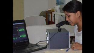 """Proyecto """"Chicas en Accion"""", las jóvenes haciendo radio (ONG Plan Internacional)."""