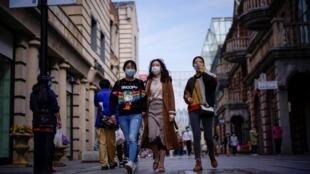Wuhan a été l'épicentre de l'épidémie de coronavirus en Chine. Photo prise le 14 avril 2020 dans une rue de la ville.
