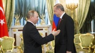 Vladimir Poutine et Recep Tayyip Erdogan au Kremlin, à Moscou, le 10 mars 2017.