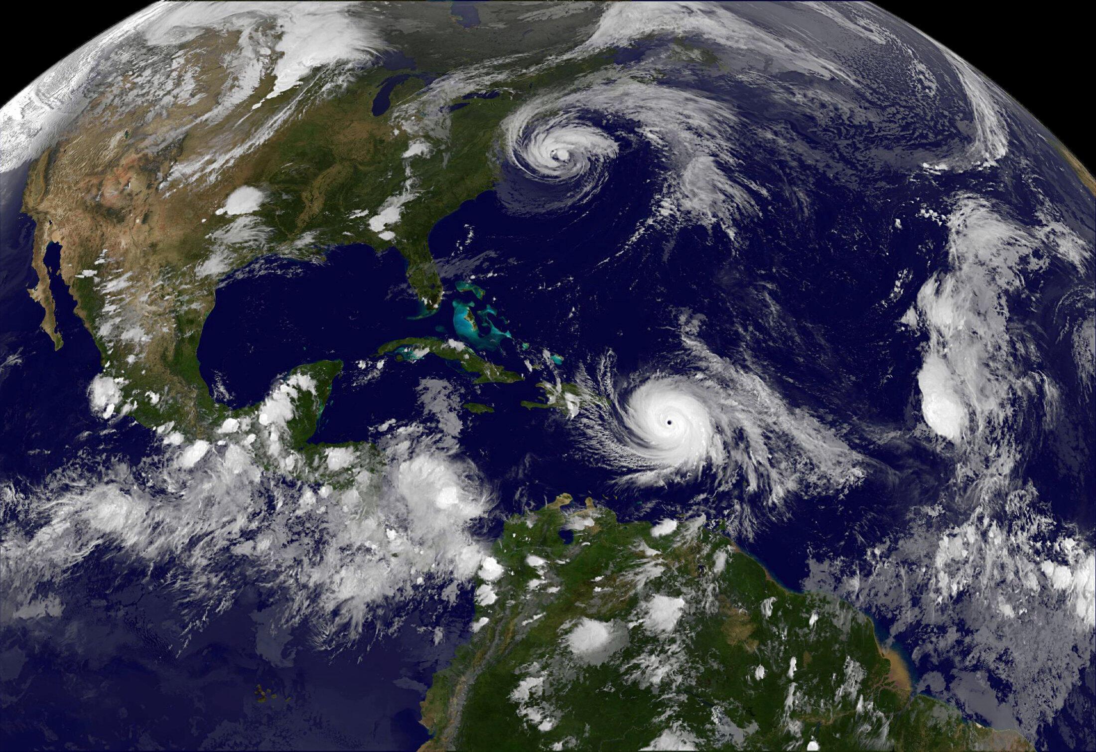 Com ventos de mais de 250km/h, furacão María se aproxima de Porto Rico.