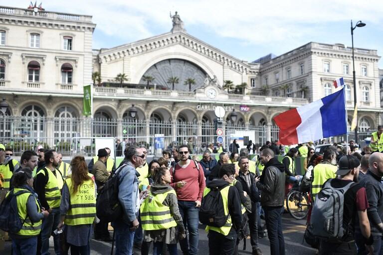 Yellow vest demonstrators in Paris on 30 March, 2019