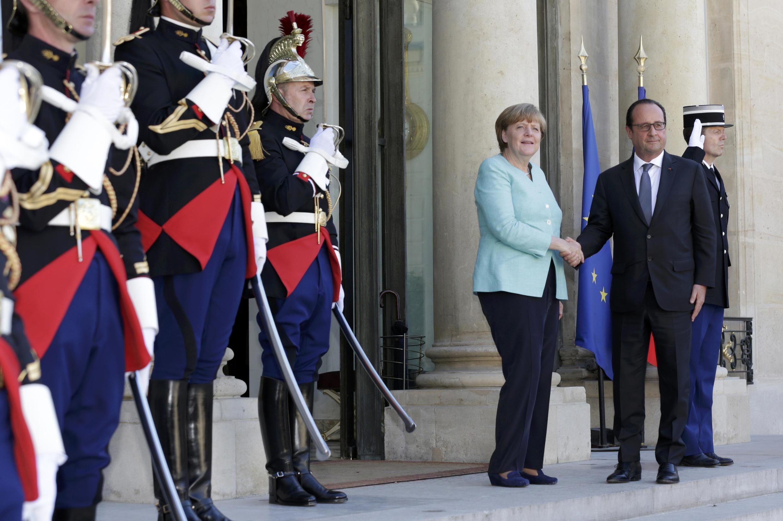 Вечером 6 июля в Елисейском дворце встречаются президент Франции Франсуа Олланд и канцлер Гремании Ангела Меркель