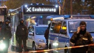 德国萨勒河畔的哈勒市发生枪击案 两死、凶嫌落网        2019年10月9日