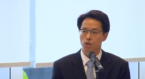 资料图片:香港中联办主任张晓明。摄于2013年7月16日。
