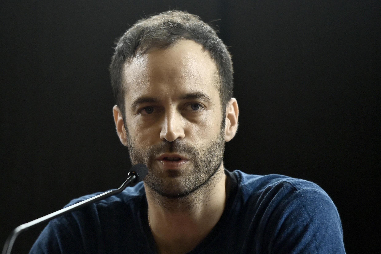 Benjamin Millepied anuncia sua saída como diretor do balé da Ópera de Paris.