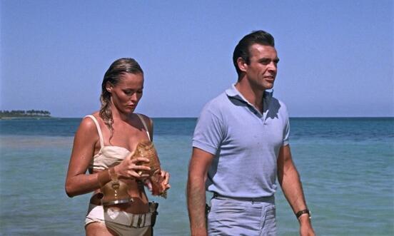 """Кадр из фильма """"Dr.NO"""",  Урсула Андерс и Шон Коннери, 1962"""