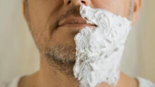 Rasée, taillée ou drue, la barbe s'entretient.