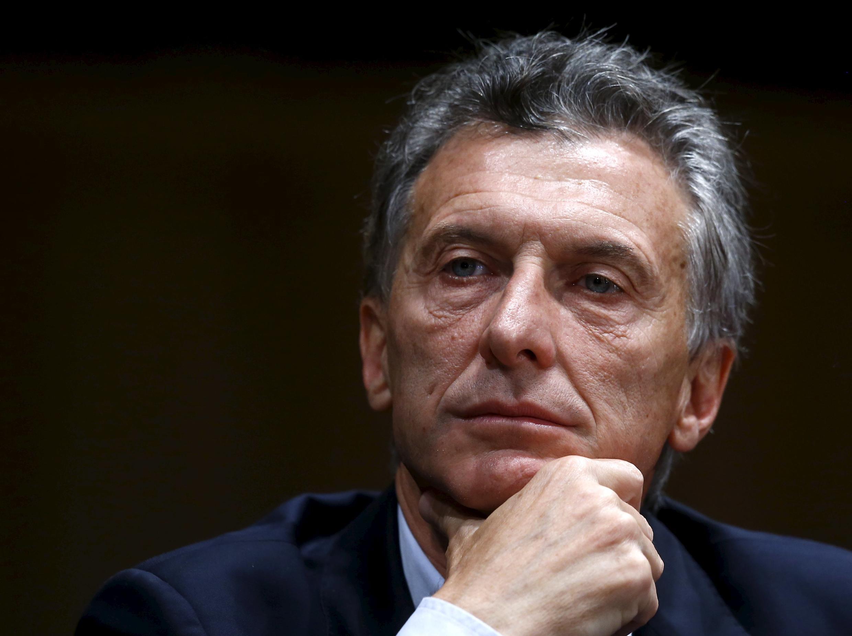 Mauricio Macri mudou as regras sobre o controle dos meios de comunicação na Argentina menos de um mês após assumir a presidência do país.
