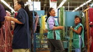 Des travailleurs dans une maquiladoras à Ciudad Juarez.