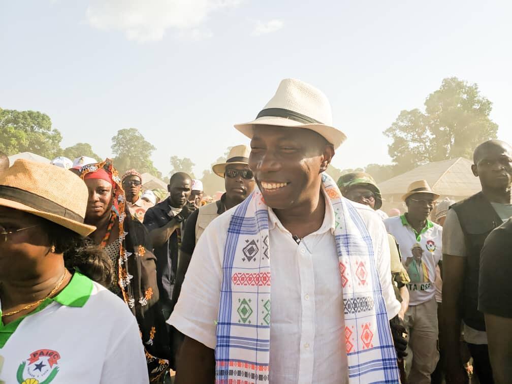 Domingos Simões Pereira, candidato do PAIGC às eleições presidenciais na Guiné-Bissau,  durante a campanha para  a primeira volta  do escrutínio