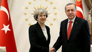 ترزا می، نخست وزیر بریتانیا و رجب طیب اردوغان، در کاخ ریاست جمهوری در آنکارا. ۹ بهمن/ ٢٨ ژانویه ٢٠۱٧