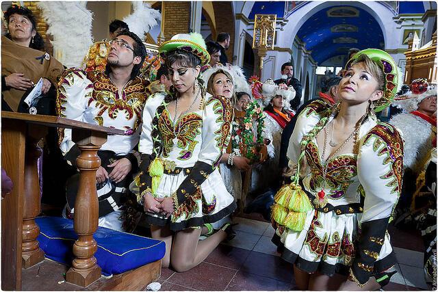 Fe y devoción a la Virgen del Socavón durante el Carnaval de Oruro, Bolivia.