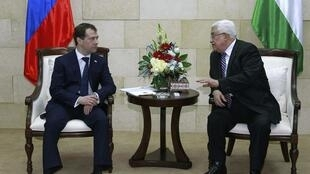 Medevedev holds talks with Abbas over stalled peace process