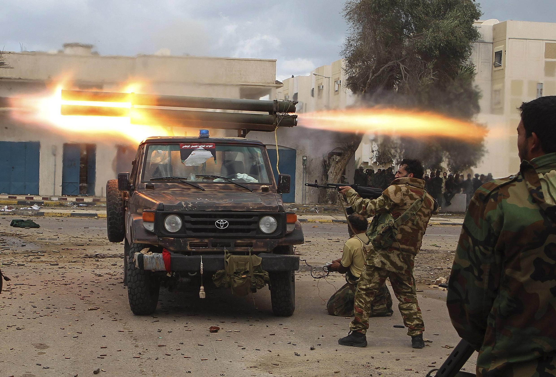 Повстанцы ведут бои в центре Сирта 11/10/2011