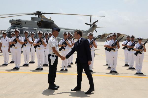Emmanuel Macron sur la base militaire de Djibouti, le 12 mars 2019.