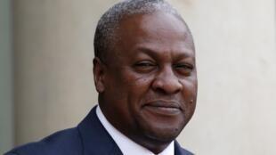Le président ghanéen John Dramani Mahama, à Paris, le 28 mai 2013.