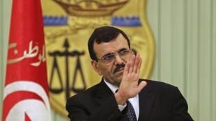 علی العریض، نخست وزیر تونس استعفا داد