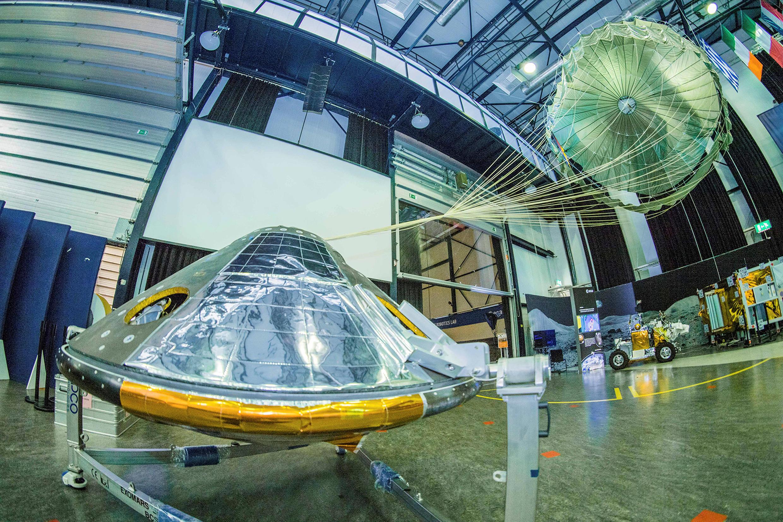 O módulo Schiaparelli, desenvolvido pelo Centro Europeu de Operações Espaciais (ESOC), em Darmstadt (Alemanha).